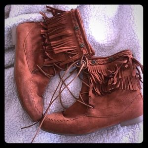 Shoes - Fringed Boots